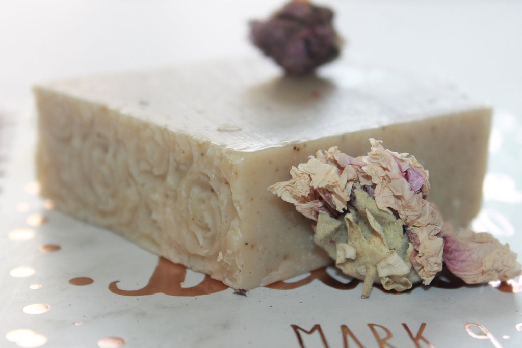 Esther's Handcrafted Herbal Frankincense & Myrrh (Favor) Bar