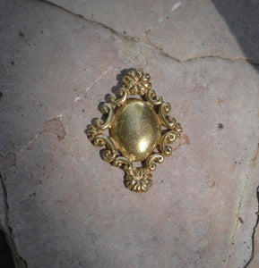 Cast Bronze Ornate Floral Oval - no loops