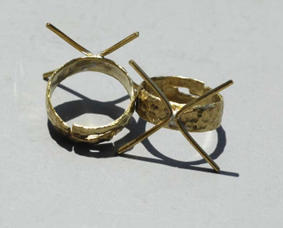 Brass Adjustable Ring Claw Setting For Natural Stones or Whatever with Pattern Hammered Mini Claw 4 Prongs
