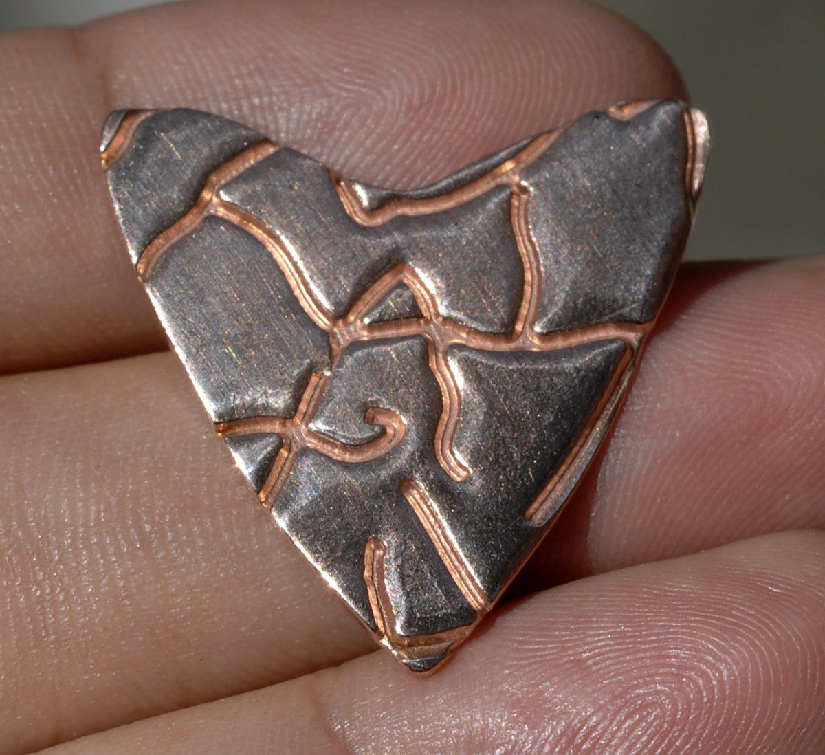 26mm x 25mm Heart in root pattern