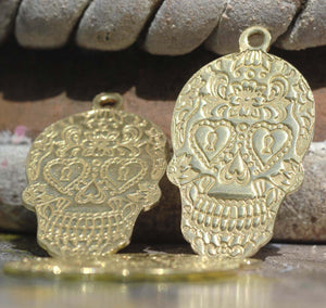 NEW Keyhole Eyes Sugar Skull Calavera Pendant Lots of Details Traditional Dia de Muertos Day of Dead 20g