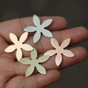 Flower shape metal blanks for making jewelry 26mm copper, brass, bronze, or nickel silver 22g 20g