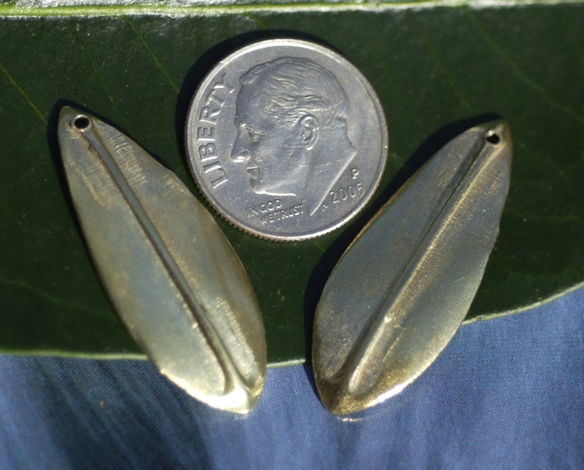 Brass Blanks Leaf - Leaves - Tree Fall with Hole Greenery Leaf 3D 30mm x 12mm shape Blank