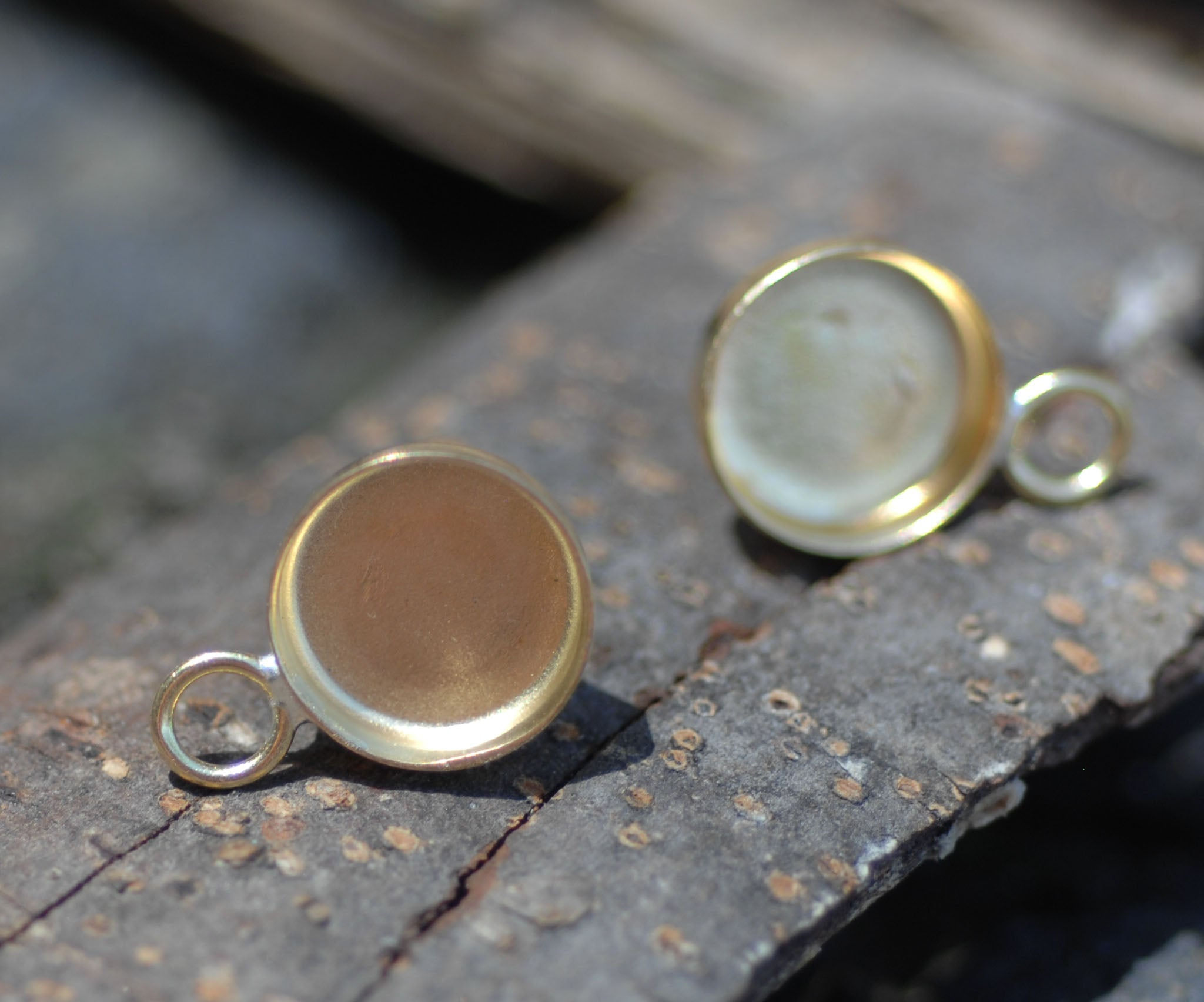 Round Stud Earrings with Bezel Cups for Resin Jewelry