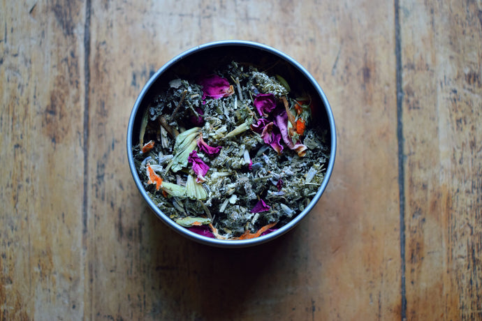 LA LUNA | A LOOSE HERBAL BLEND FOR A WOMAN'S MOON