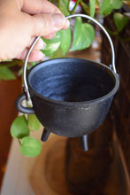 Load image into Gallery viewer, CAST IRON CAULDRON WITH LID | WITCH'S CAULDRON