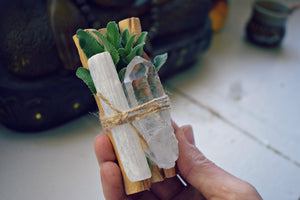 PALO SANTO + SAGE SMUDGE KIT | CLEAR QUARTZ + SELENITE | HOLY WOOD | METAPHYSICAL | SMUDGE STICK