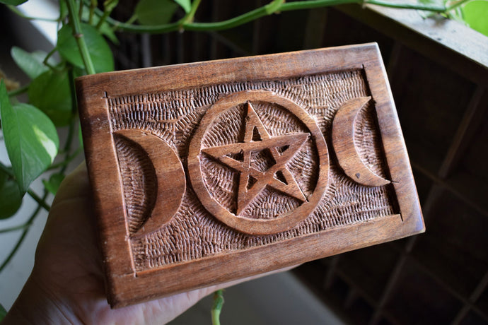 TRIPLE MOON PENTACLE WOODEN ALTAR BOX | WOODEN HERB BOX | CRYSTAL BOX