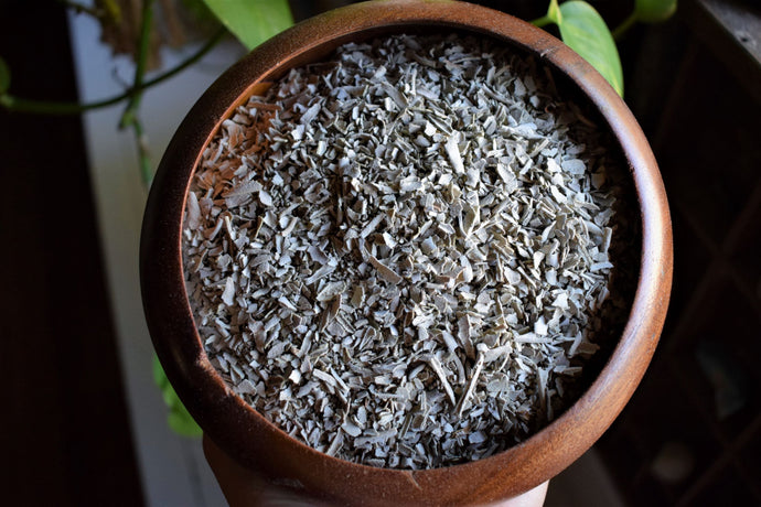 WHITE SAGE | SALVIA APIANA | SMOKABLE WHITE SAGE FLAKES | ORGANICALLY CULTIVATED