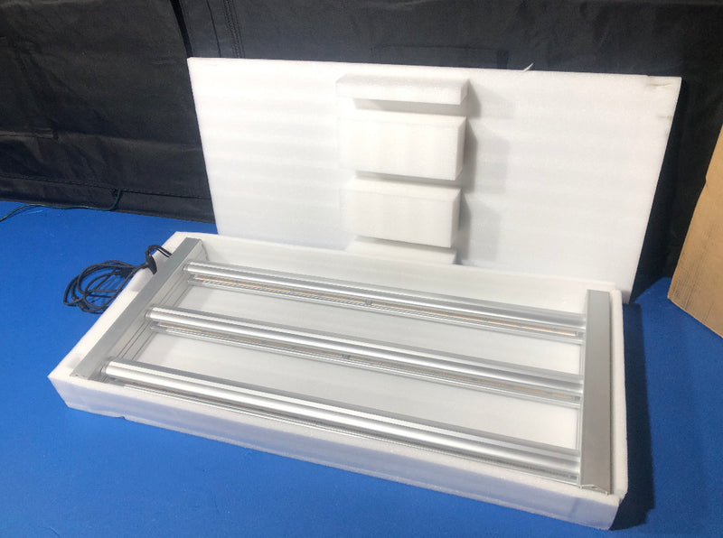 NEW UV Fold Series - 8 Bar Led Grow Light (6 Standard + 2 UV bars) - 700w - with 2 Dimmer Knobs + 2 Sets of RJ Ports