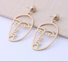 Load image into Gallery viewer, Faces Gold Earrings