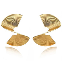 Load image into Gallery viewer, Gold Spirale Earrings