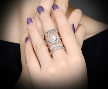 Load image into Gallery viewer, Pearl and Crystal Tower Ring