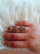 Load image into Gallery viewer, Black X Gold Large Baroque Ring