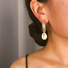 Load image into Gallery viewer, Hoops Cowries Drop Earrings