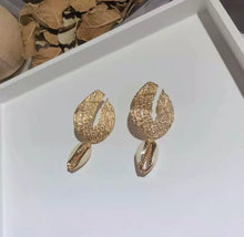 Load image into Gallery viewer, Gold Cowrie Drop Earrings