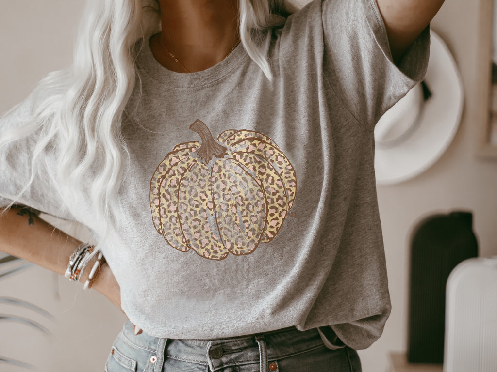 Pumpkin Leopard Gray Short Sleeve T-Shirt