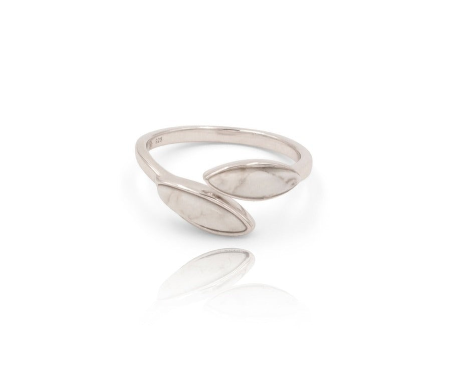 Floral Escape White Magnesite Midi Wrap Ring