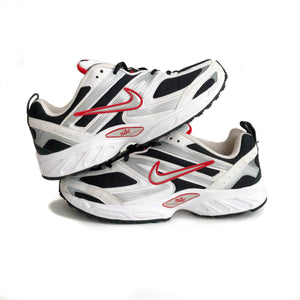 Pile of 2 shoes of the 2007 Nike Air Superfecta in white black and red colorway on a white background