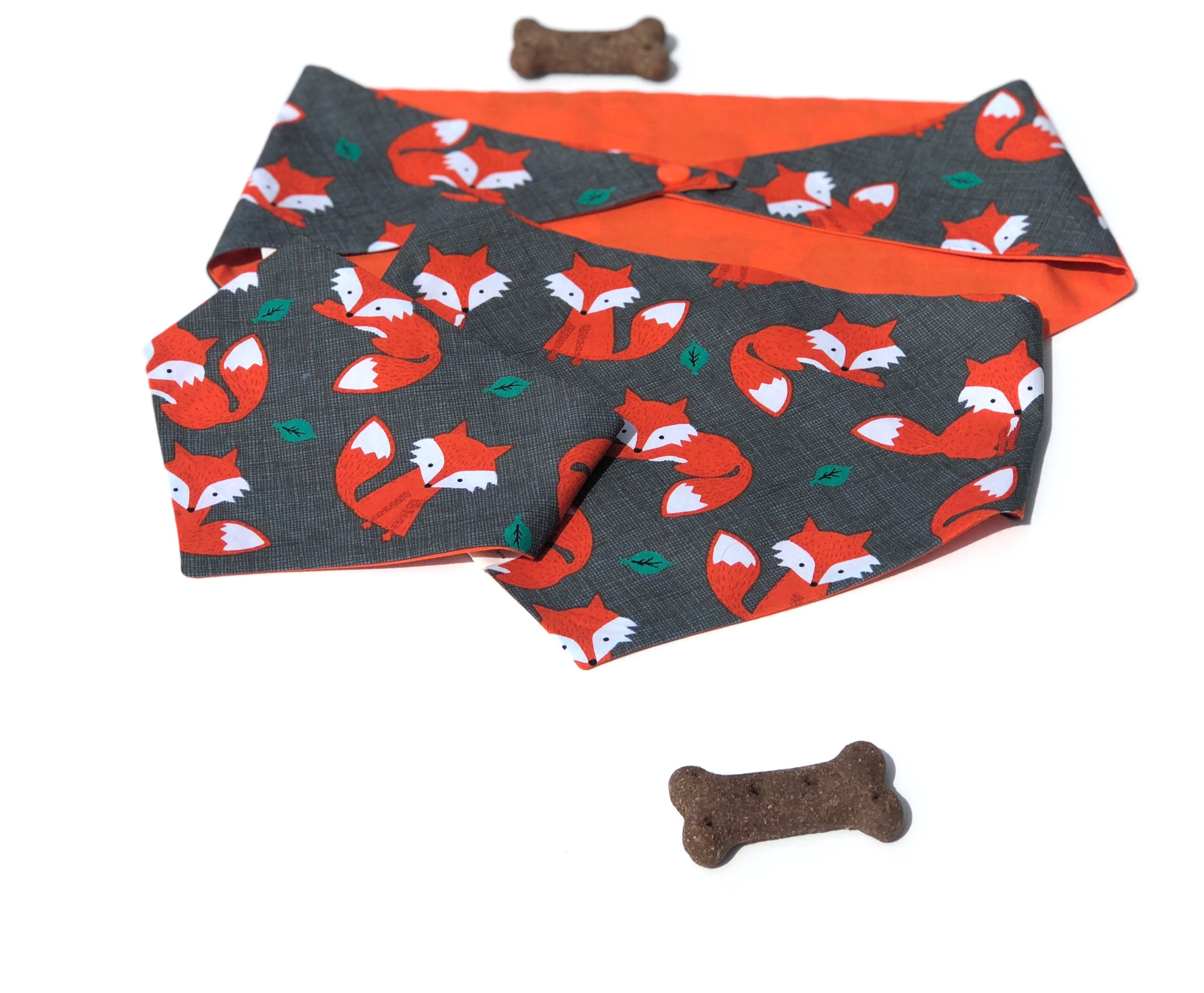 Cheeky Fox Snaps Dog Bandana