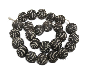 25 Black and White African Sun Clay Beads (TA451)