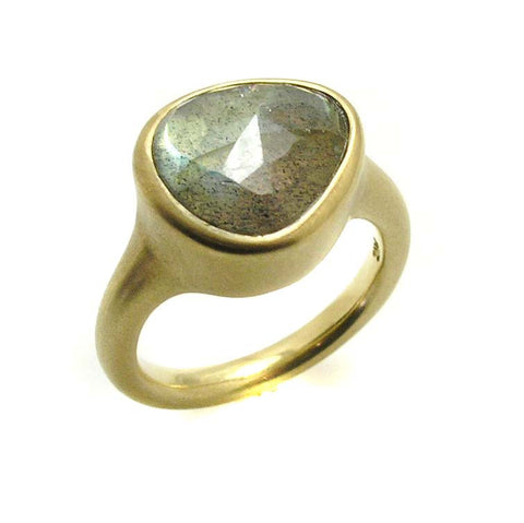 LABRADORITE RING .