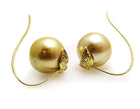 GOLD PEARL EARRINGS .