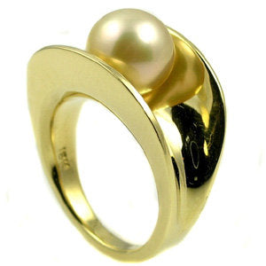 Pearl ring .