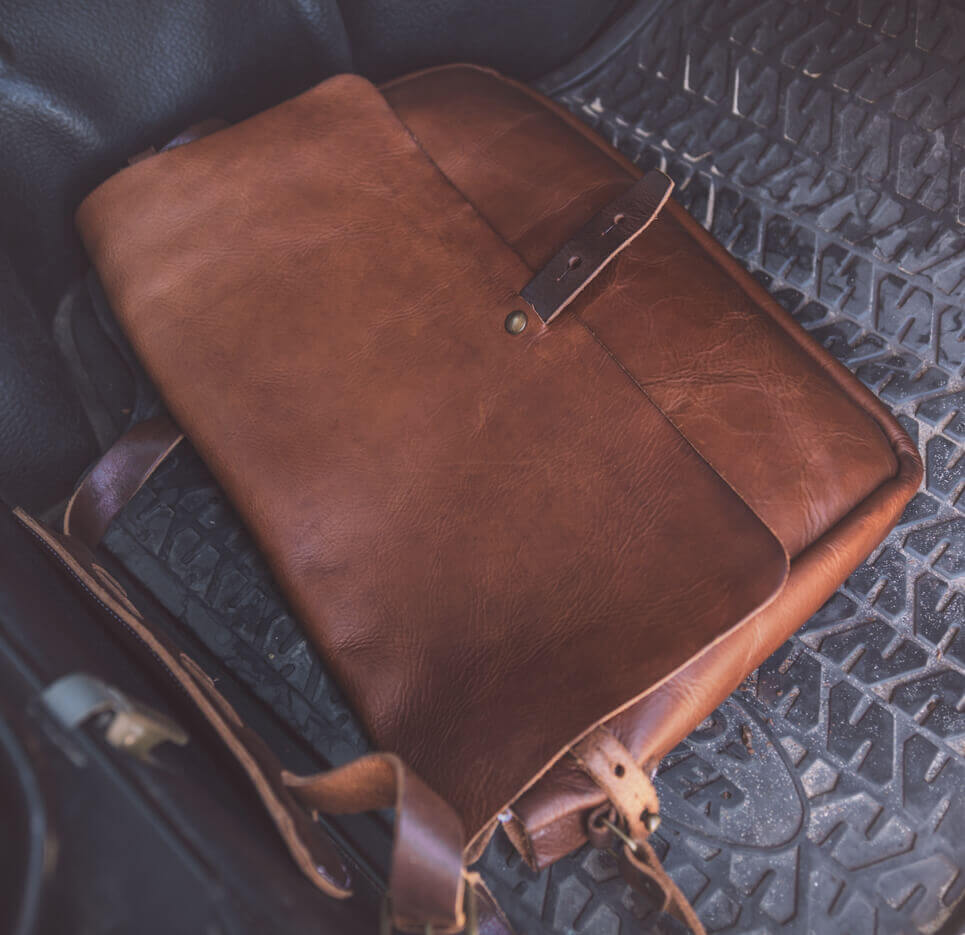 The Vintage Messenger