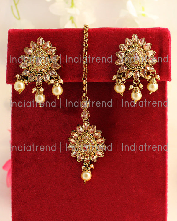 Mehak Earrings & Tikka