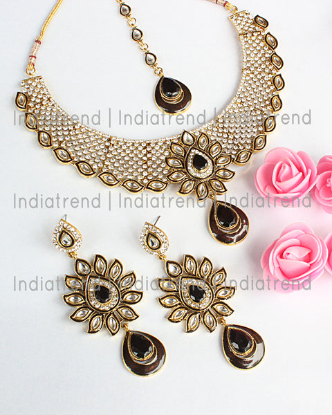 Mukti Necklace Set
