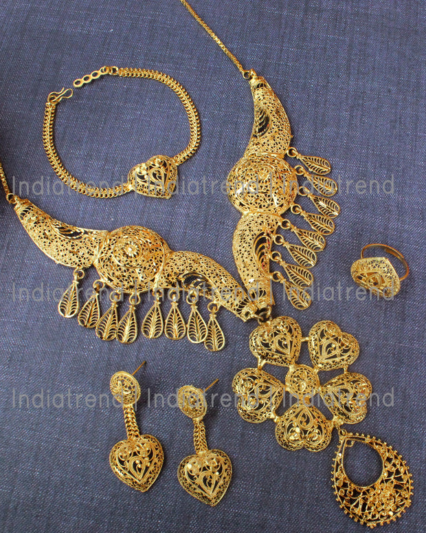 Tushari Necklace set