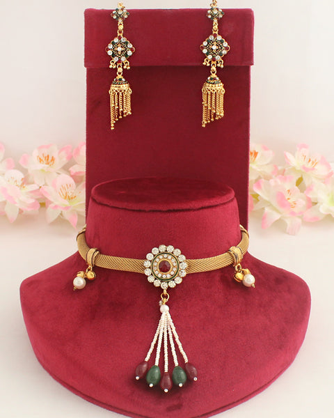 Maahi Necklace Set
