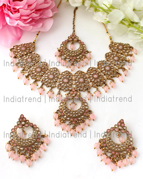 Poorva Necklace Set