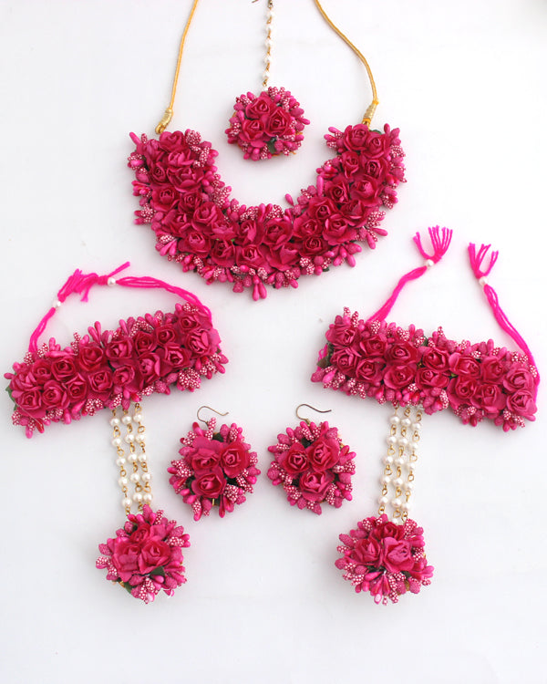 Kaynat Floral Necklace Set