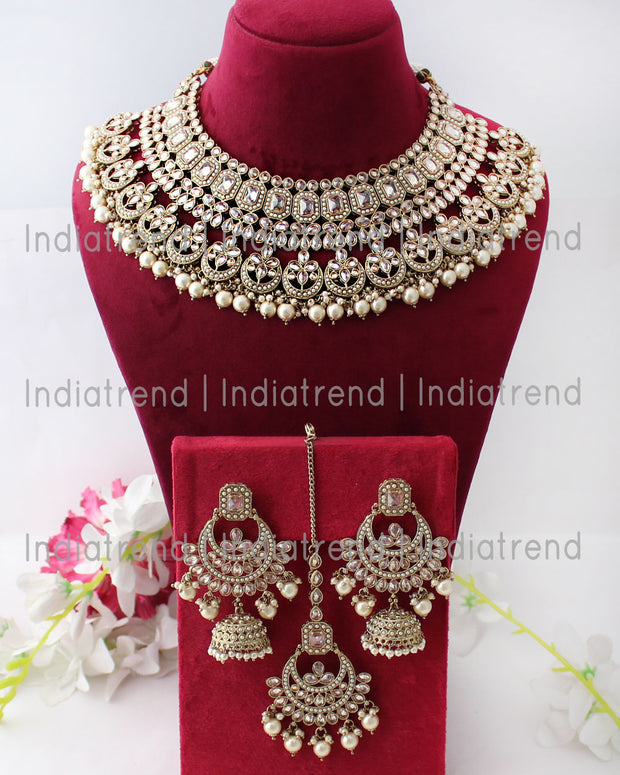 Aastha Necklace Set