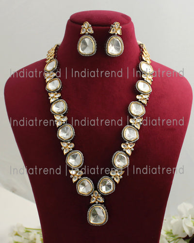 Parineeti Necklace Set