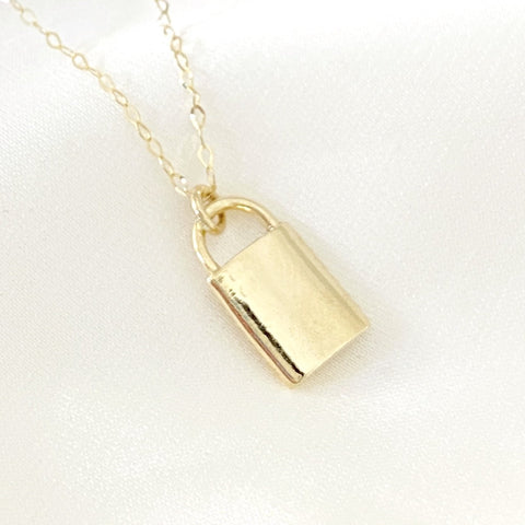 Plain Noelle Lock Necklace