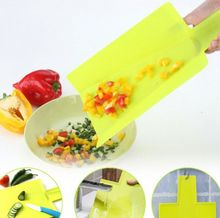 Load image into Gallery viewer, Chop2Pot Foldable Chopping Board