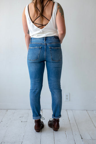 mid-rise denim distressed