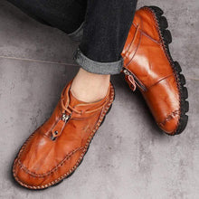 Load image into Gallery viewer, (Last Day Promotion 50% OFF)Men Hand Stitching Leather Non Slip Large Size Soft Sole Casual Boots