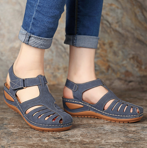 Retro hole shoes non-slip large size round toe wedge comfortable women sandals