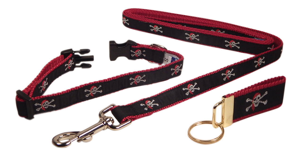 "Preston Ribbons ""Skull and Crossbones"" Collar and Leash, SMALL Dogs, FREE Matching Key Ring"
