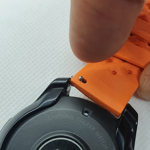 Install Max Quick Release Watch Strap
