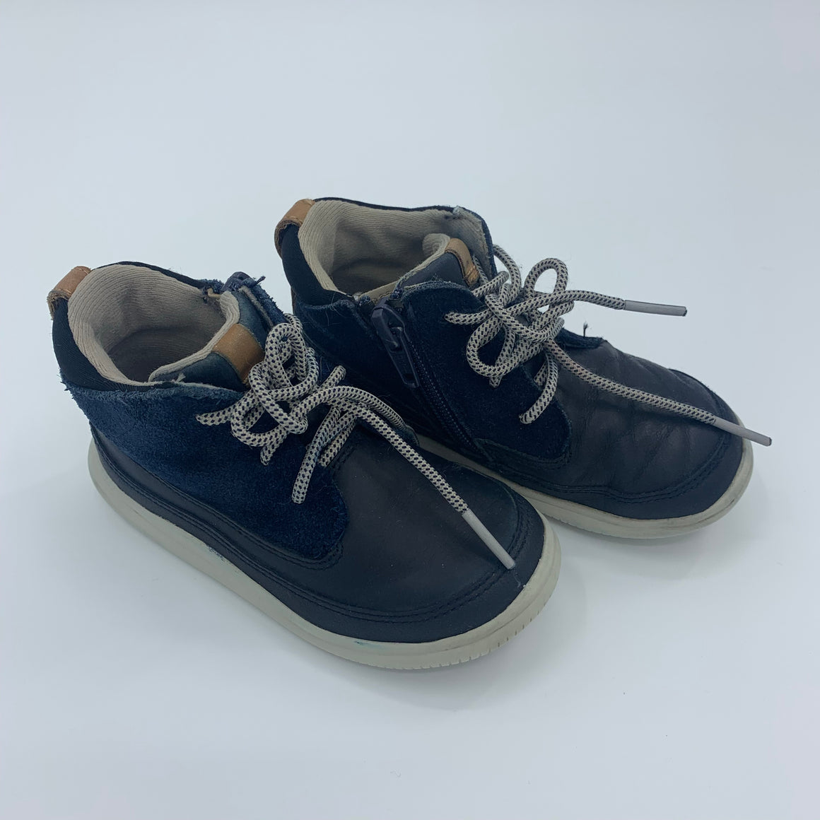 Hardly Worn Clarks navy high tops size UK 6.5F