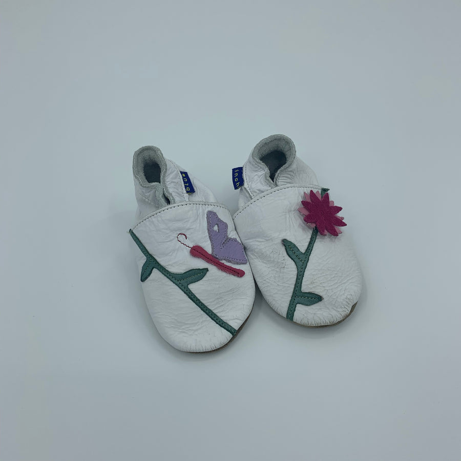 Gently Worn Inch Blue flower booties size 6-12 months