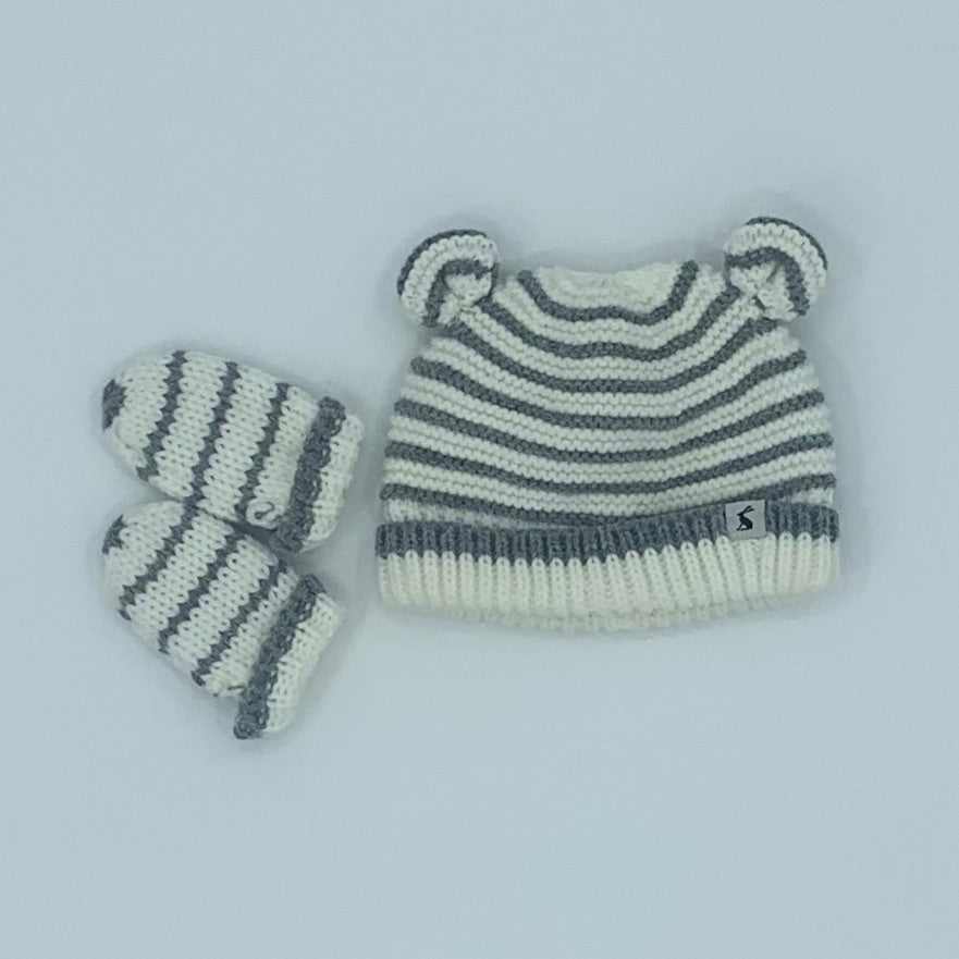 Hardly Worn Joules striped knitted set size 0-6 months