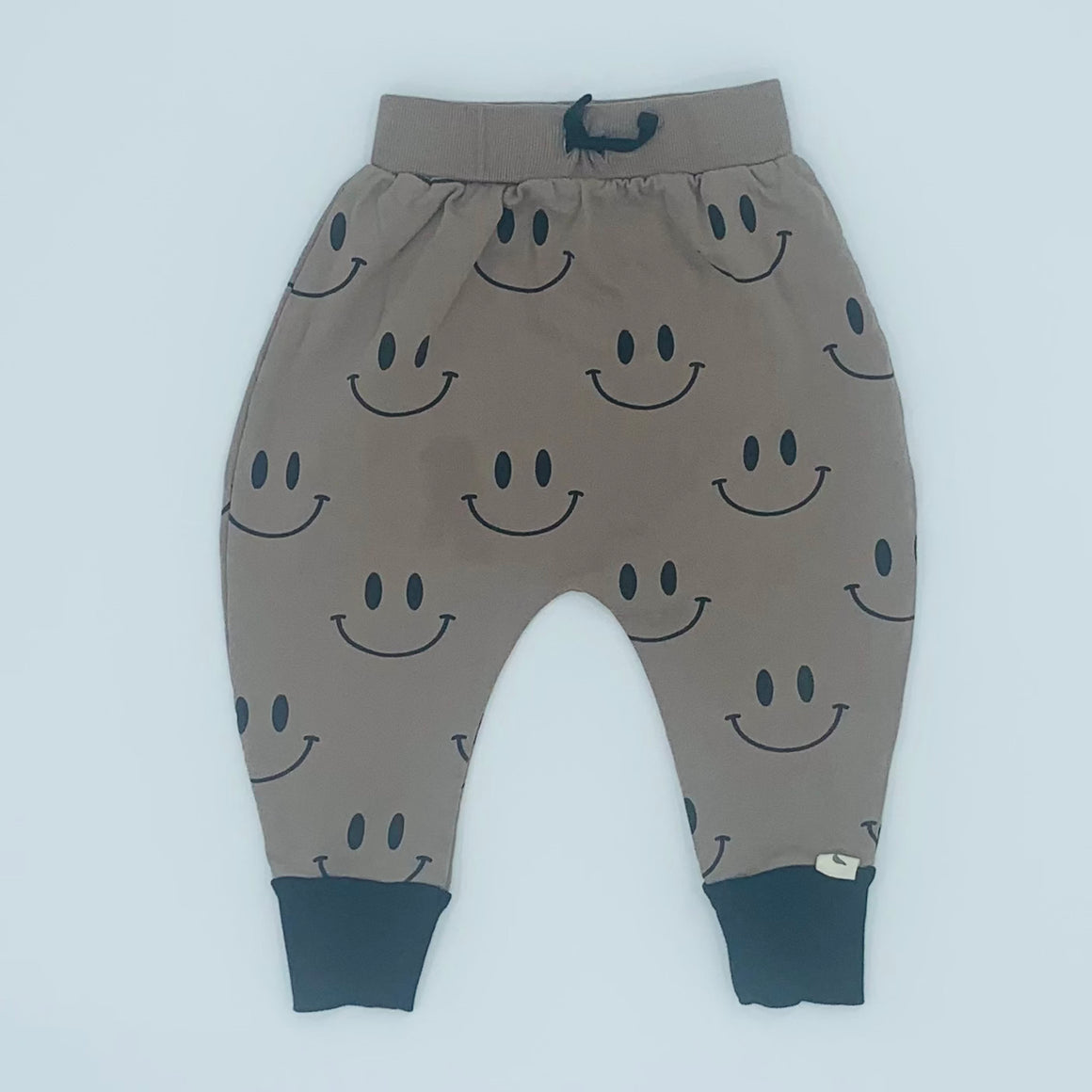 Hardly Worn Turtledove London smiley harem joggers size 2-3 years