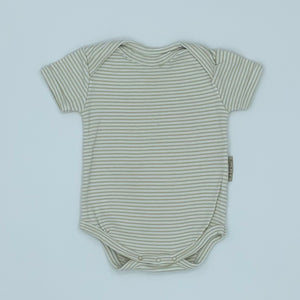 Gently Worn Beaming Baby bodysuit size 0-3 months