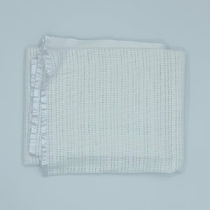Hardly Worn The White Company white cellular blanket size One Size